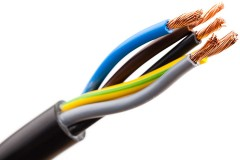 five electric wires in an electrical cable